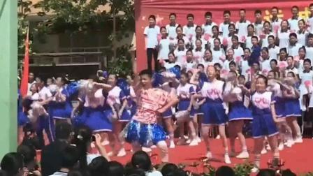 校会上领舞的哥们证明了, 男生妖艳起来就没有女生什么事了