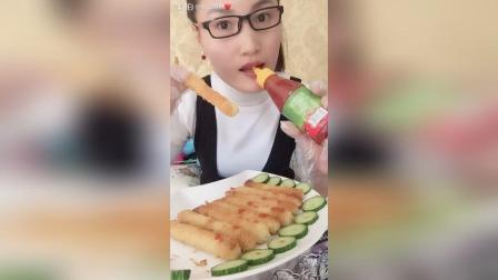 面线虾对着番茄沙司大人小孩都爱吃哦,
