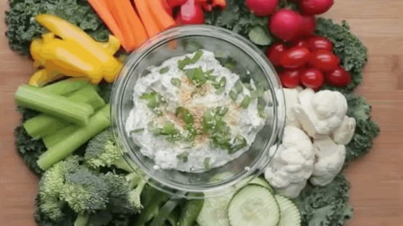 【蔬菜沙拉拼盘】除了摆盘的艺术, 你还需要这碗沙拉酱