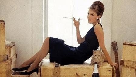 奥黛丽赫本成就了这部电影, 影史经典角色, 上天赏饭吃的颜值无与伦比