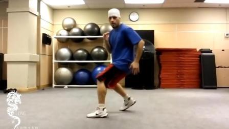 拳击在移动中的变向走位练习