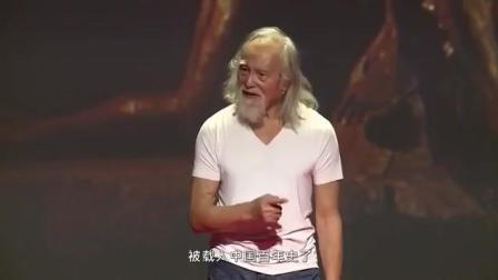 84岁还继续做模特, 他的演讲, 震惊了世界