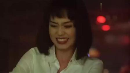 富家子酒吧与美女拼酒, 还一起跳舞, 不想她老公