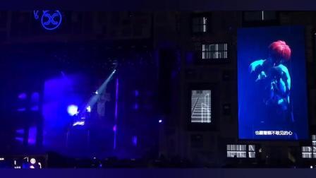 薛之谦北京工体演唱会现场演唱: 我好像在哪见过你, 声音好酥