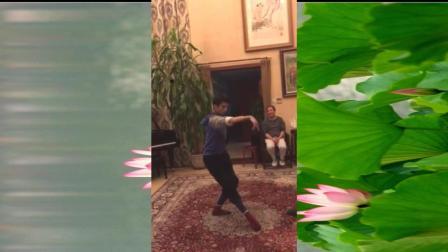据说这是金星少年时跳的舞, 大家看是他吗