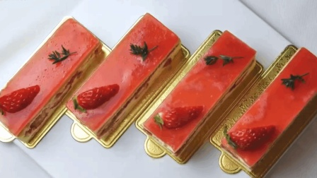 「烘焙教程」朋友圈里的高颜值—草莓慕斯蛋糕