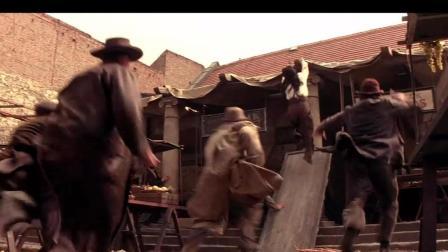 成龙经典影片上海武士 片中旋转门和集市打斗中出现的都是成龙的徒弟
