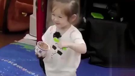《萌仔萌萌宅》金宝的日常: 小可爱金宝上早教课啦很乖的哦!
