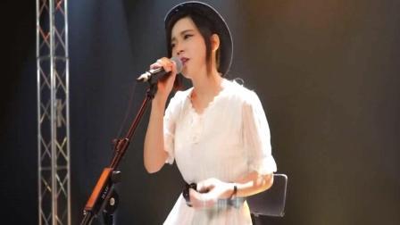 广东美女翻唱粤语经典《一生何求》, 听一次就上