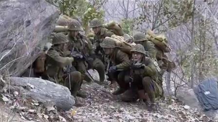 日军特战队进村抓孩子, 几名战士使用虚张声势的招数, 吓跑日本兵!