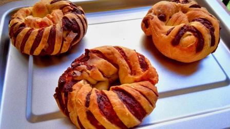 红豆面包自己在家也能做, 一搅一拌一烤, 当早饭吃或饭后甜点