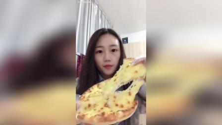 美拍视频: 吃个披萨