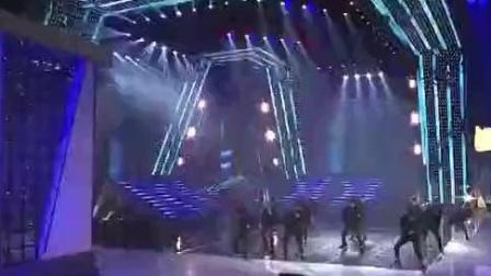 EXO舞蹈整齐度非常高而且走位相当讲究