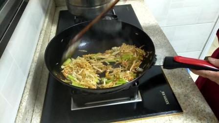 白萝卜丝怎么炒好吃 红烧鲫鱼的做法 美食 视频