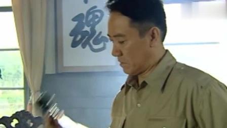 张灵甫示意部下扣下棺材, 偷偷的运回南京!