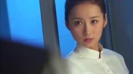 X女特工: 谭睿玲用美人计拖住站岗大哥, 钟离成功拿到枪!