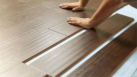 新房装修铺木地板还是瓷砖? 很多人没考虑周全, 住久了才知是个坑