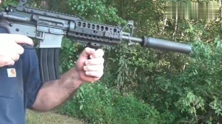 突击步枪安装消音器射击前后对比, 这差距有点大!