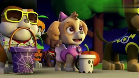 莱德带着狗狗们去讨要糖果, 莱德表演机械舞, 狗狗们都展示了技能