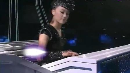 王小玮演奏琴舞, 创意和手速之快让人惊讶的不行!