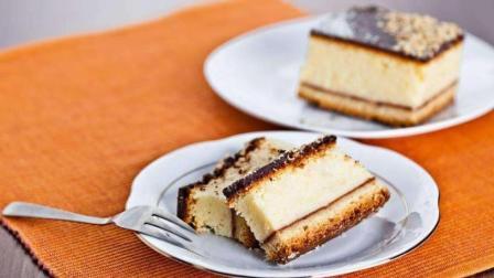 仿芝士蛋糕口感的酸奶蛋糕, 低糖无油美味, 比做芝士蛋糕还简单!