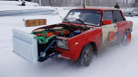老外嫌车动力不足装俩发动机, 踩下油门这效果, 看的我也想装俩!