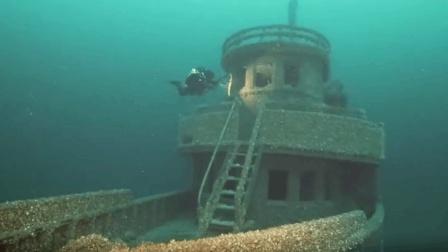 """休伦湖底发现""""被诅咒的""""英国货船 装有90年前的雪佛兰车"""