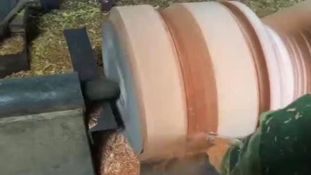 大叔得到百年树木, 这么好的材料看他怎么加工, 担心他浪费材料!