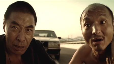 疯狂的赛车: 这三段配乐据说是导演亲自选的, 两伙坏人出场就笑了