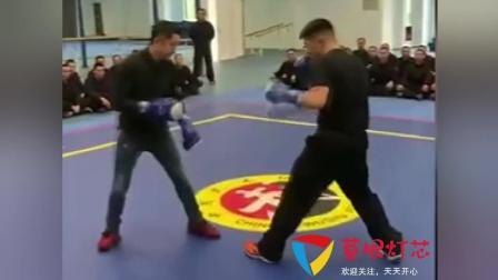 邹市明与中国空警切磋掌声不断, 拳速之快对方难以招架!
