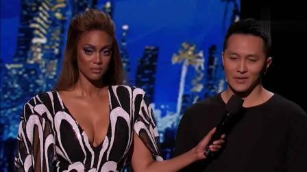 美国达人秀: 发生了什么让女评委气愤泼水, 直播现场当场离席?