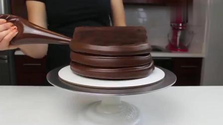 风味人间: 国外达人制作的巧克力爆浆蛋糕, 切开的时候真的好惊喜啊