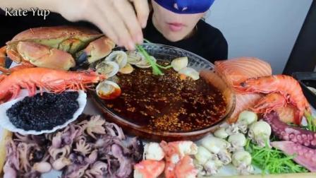 大胃王美女吃播海鲜大餐, 看着好有食欲