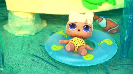 芭比娃娃玩具: 朋克男孩和家人一起在泳池玩, 她们还买了零食