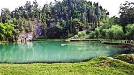 梦冲塘有着龙女的传说, 几十年从未被抽干过, 抽干水后出人意料!