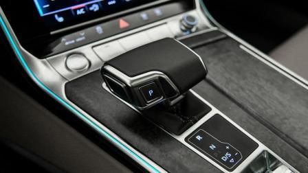 男人的梦想座驾就该如此! 车长5050mm, 内饰精致豪华, 越看越想买!