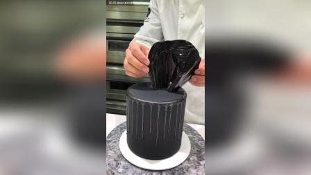 高端黑暗系滴落蛋糕喜欢吗?