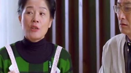 二胎时代: 阿姨给馨儿喂排骨吃, 馨儿全部都吐出来了, 王晓晨不知道说什么了