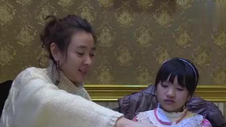变形记: 山区女孩第一次跟妈妈吃饭, 可惜这个妈妈是别人的!