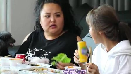 我家的熊孩子: 洪真英姐妹的日常斗嘴, 姐姐被抢走饮料生气超搞笑!