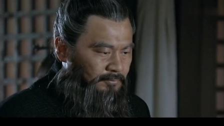 《三国》敌人半夜想偷袭曹操, 曹操拔出匕首大喊许褚