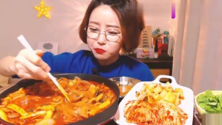 韩国美食吃播Dorothy, 吃辣炖年糕宽粉, 小姐姐宽粉吃的真香!
