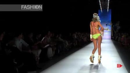 ELCOLOMBIANO巴黎2019泳装秀, 模特转身, 露背比基尼的美感一下子就出来了!