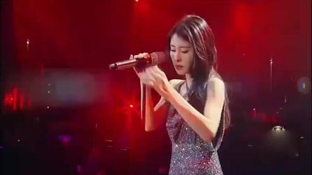 她将陈奕迅的这首《红玫瑰》演绎的淋漓尽致, 唱出自己独特的味道