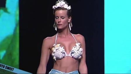MalditoSweetswimwear迈阿密时装周比基尼秀, 超模眯着眼睛也能展现与生俱来的美!