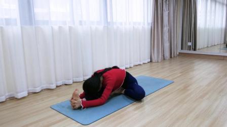 哈他瑜伽常见体式《单腿头碰膝前屈式》视频教程