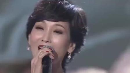 郑少秋与赵雅芝合唱《问情》, 仙女姐姐的气质无可比拟!