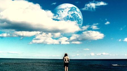 地球上空出现神秘行星, 上面竟然复制了每一个人类!