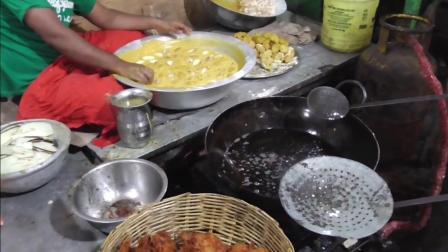 印度街边的小吃, 这环境和卫生, 看了之后你什么感觉