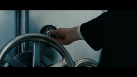 细数电影中的那些抢银行的镜头, 钞票很重的一个人能拿多少?